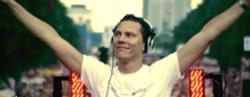 Tiesto & Sneaky Sound System Feat.syntheticsax