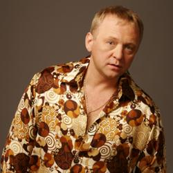Олег Шак
