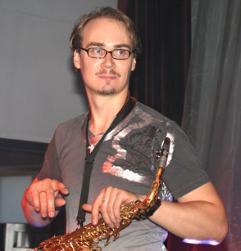 Javi Reina, Alex Guerrero, Syntheticsax