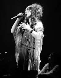 Shikata Akiko
