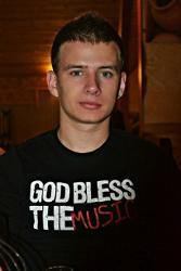Денис Долотов