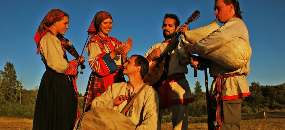 Русские народные веселые песни скачать.