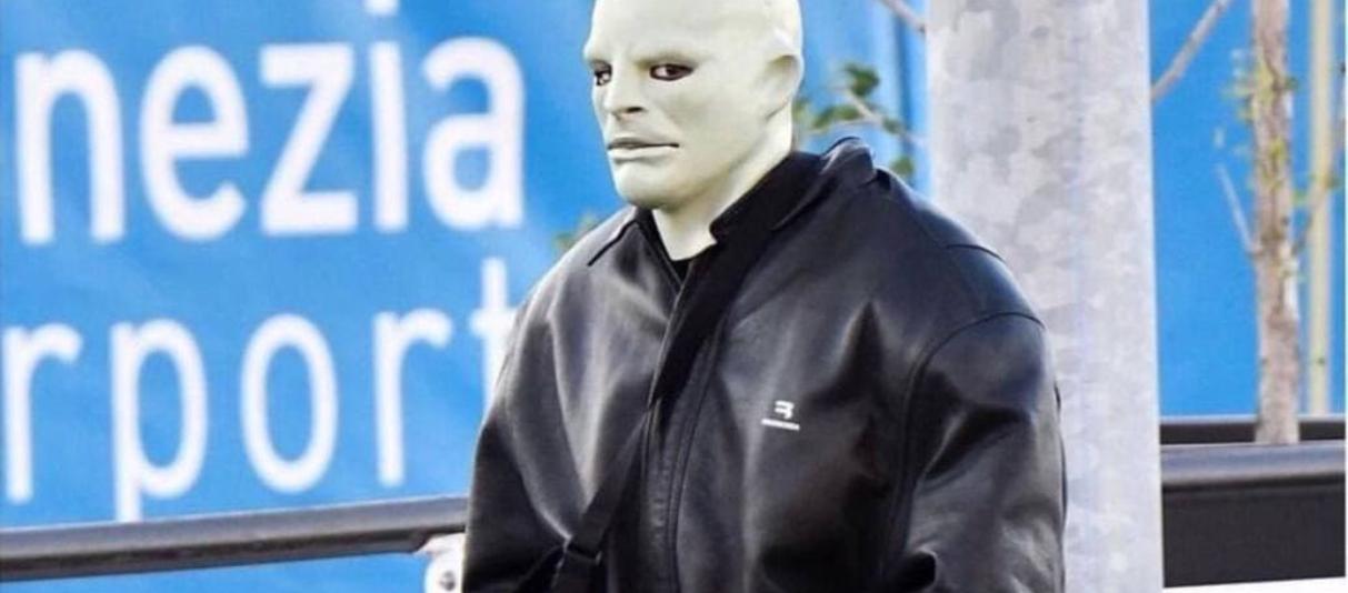 Канье Уэст выступил в маске Фантомаса
