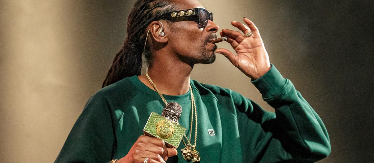 Хеппибёздим звезду! Snoop Dogg-у 50!