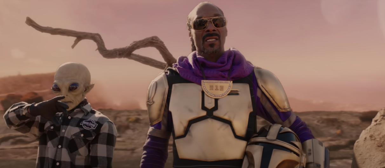 Snoop Dogg веселится с инопланетянками-стриптизершами в новом клипе