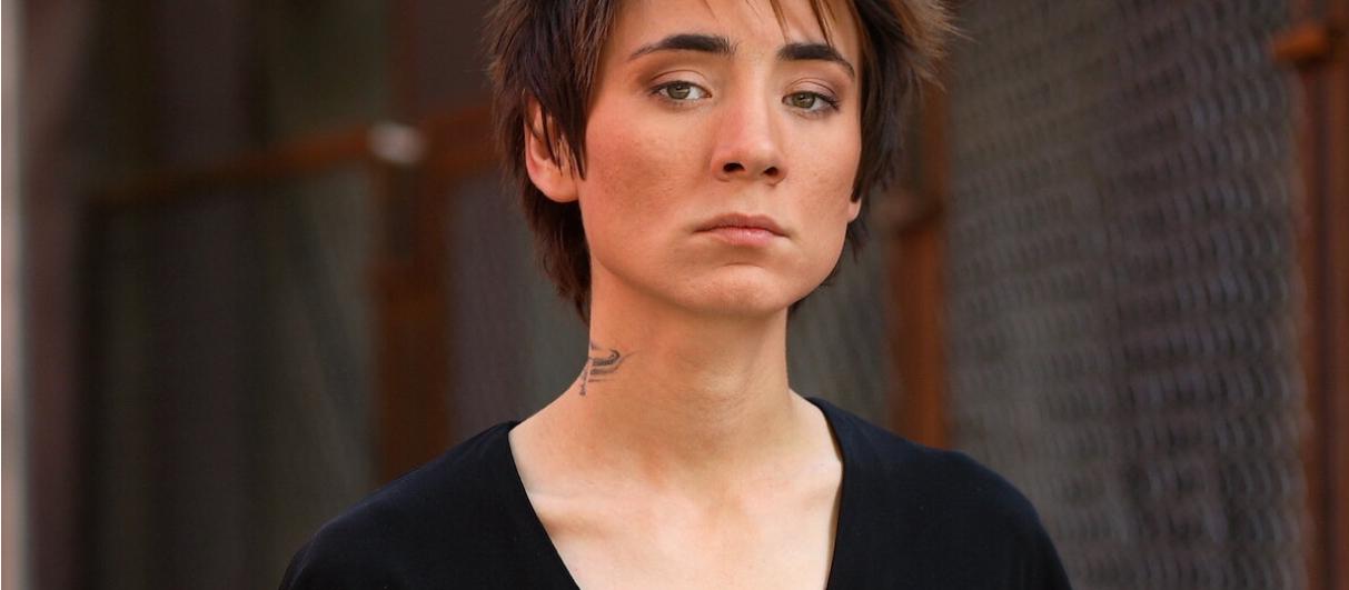 Земфира судится с писателем, обозвавшим ее наркоманкой
