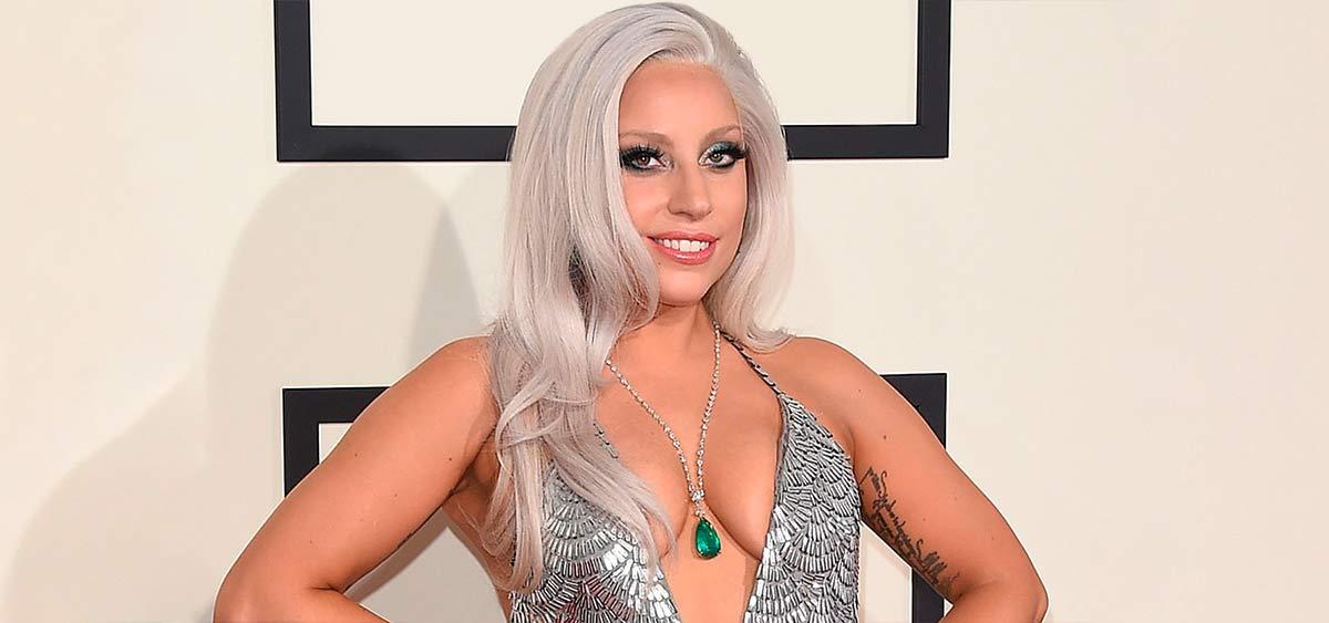 """Леди Гага спела песню """"Драный кот"""" из сериала """"Друзья"""". Теперь это новый хит"""