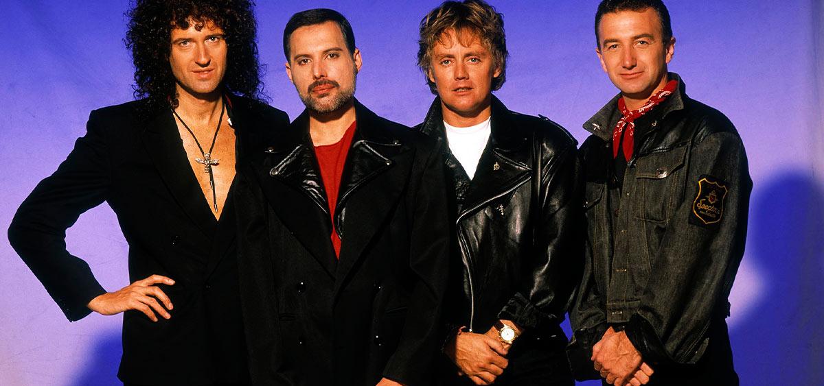 """Впервые за 40 лет переизданный сборник Queen """"Greatest Hits"""" возглавил альбомный хит-парад Великобритании"""