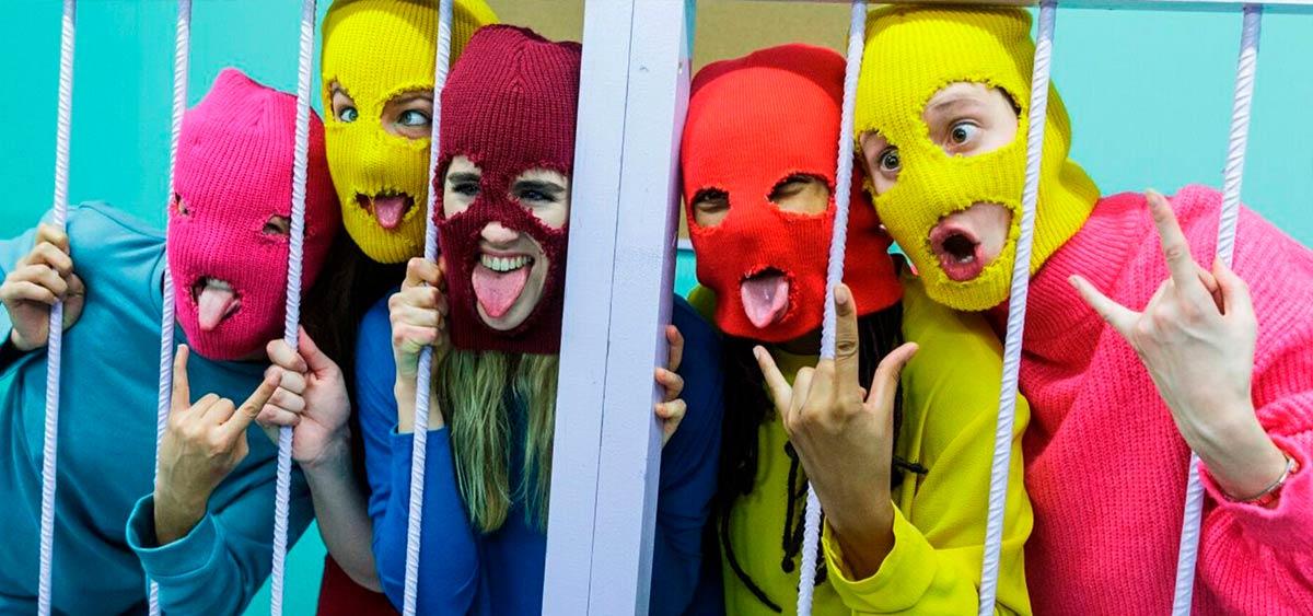 Участники панк-группы Pussy Riot покидают Россию