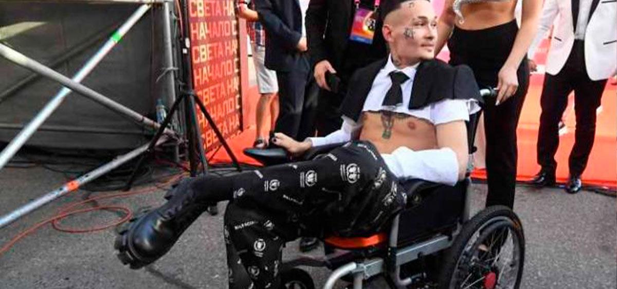 Моргенштерн подарил подростку свою дорогую инвалидную коляску
