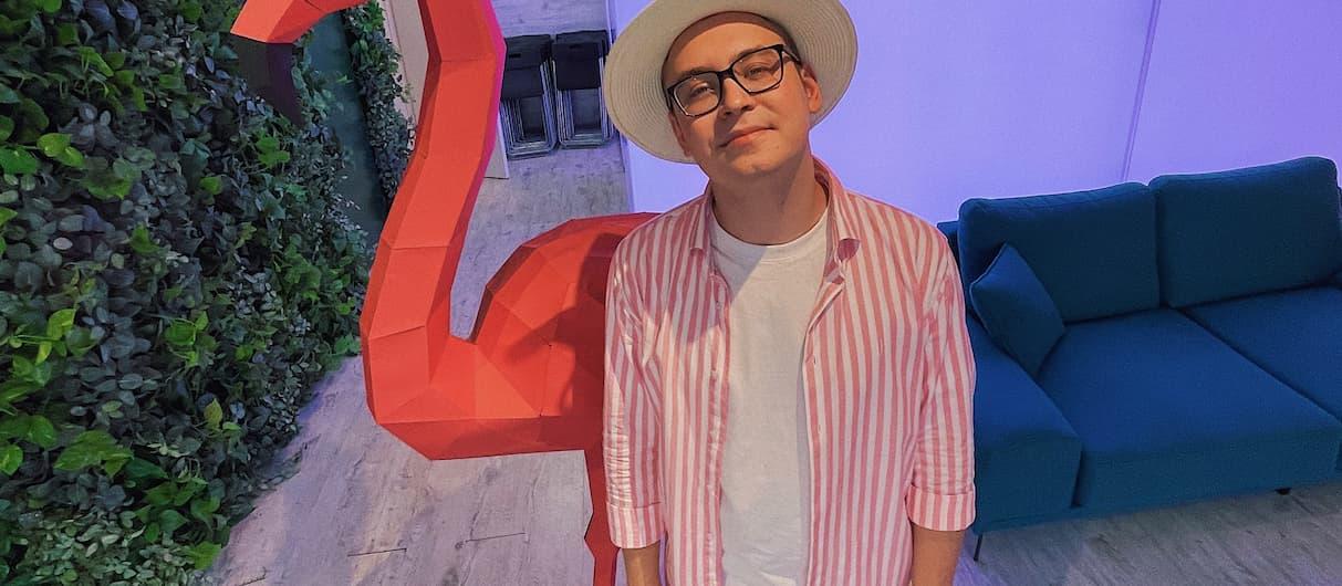 Кобяков выпустил трек для тёплых августовских вечеров