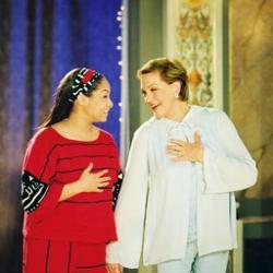 Julie Nadrews And Raven