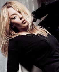 Kylie Minogue & Sonu Nigam